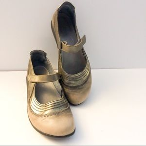Naot mary jane flats gold distressed look